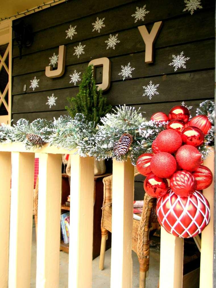 addobbi natalizi per balconi fiocchi neve festoni abete