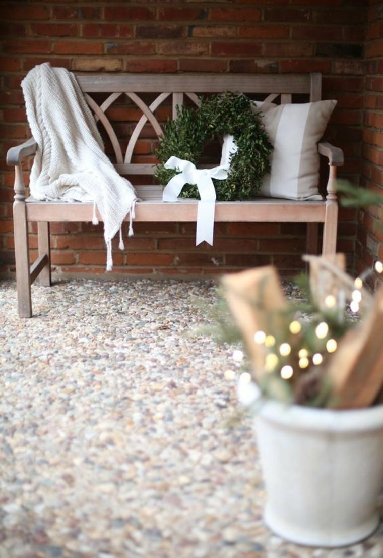 addobbi natalizi per balconi ghirlanda fiocco bianco