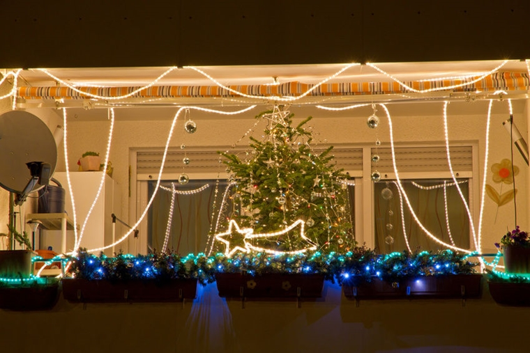 addobbi natalizi per balconi luminarie favolose