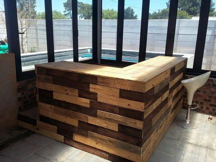 arredo giardino con angolo bar fai da te in bancali riciclati. Black Bedroom Furniture Sets. Home Design Ideas
