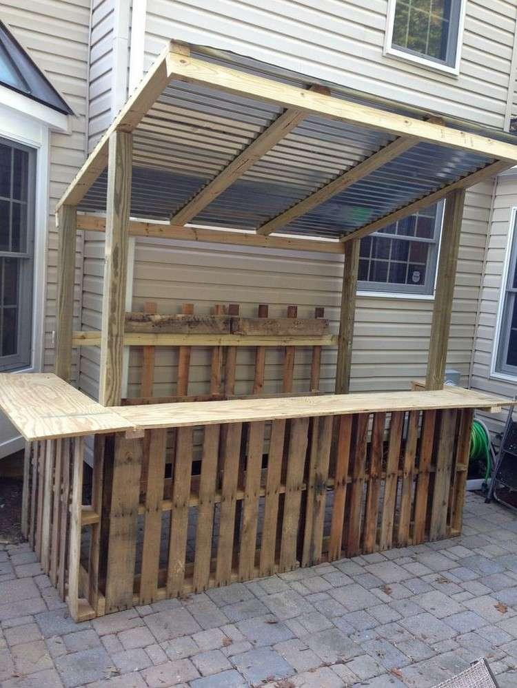 Arredo giardino con angolo bar fai da te in bancali riciclati for Angolo bar moderno