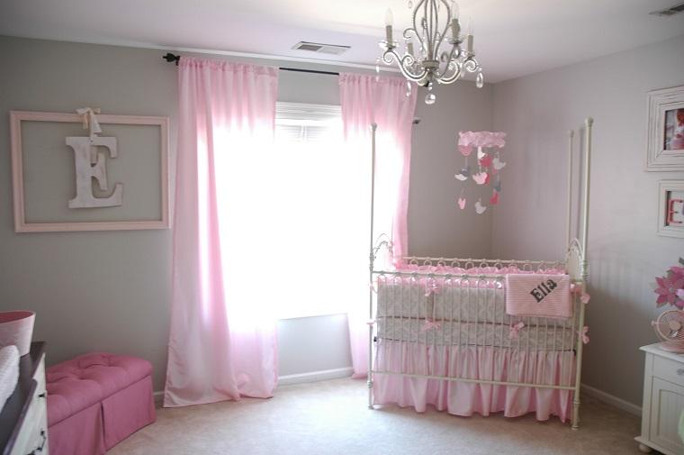 Camerette neonati tante idee dolci e romantiche per le for Arredamento camerette
