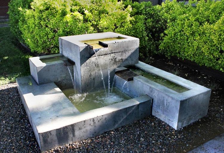 Come Costruire Una Fontana In Cemento.Costruire Una Fontana Da Giardino Fai Da Te Come Costruire Una