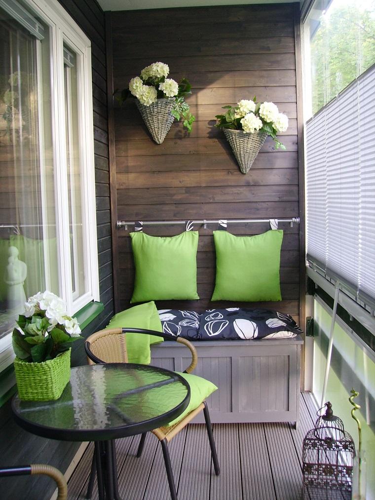 arredare balcone piccole dimensioni modo originale
