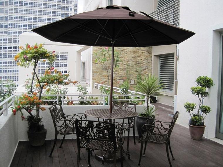 arredare balcone sedie tavoli ferro battuto