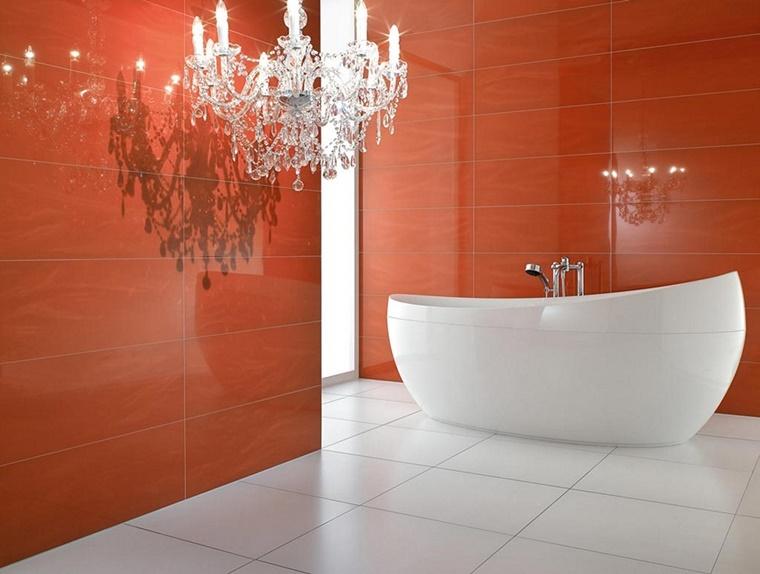 arredo bagno stile minimal parete arancione lucida