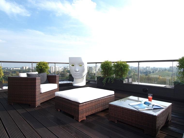 arredo balcone ampio stile minimal