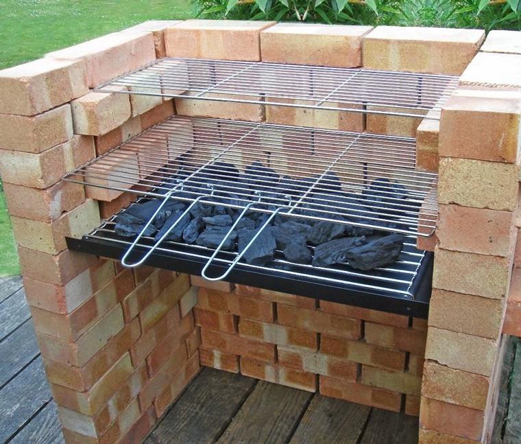 barbecue design semplice realizzato pochi materiali