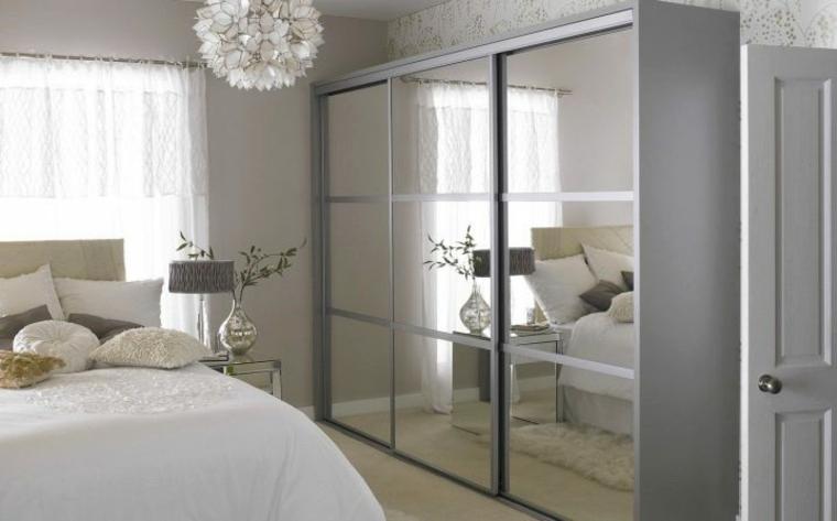 camera da letto armadio porte vetro lampadario porta stanza matrimoniale