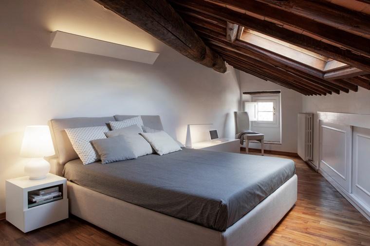 camera da letto piccola mansarda