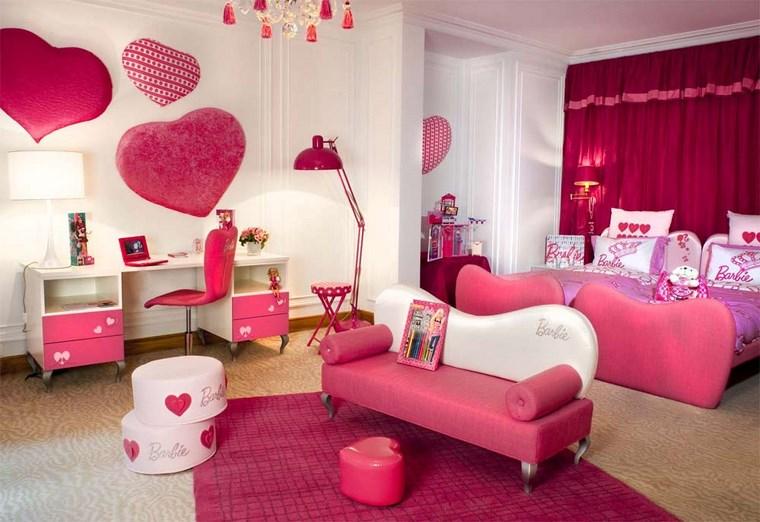 cameretta bambine parete decorata cuori color rosa
