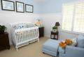 Cameretta neonati – soluzioni di arredamento moderno