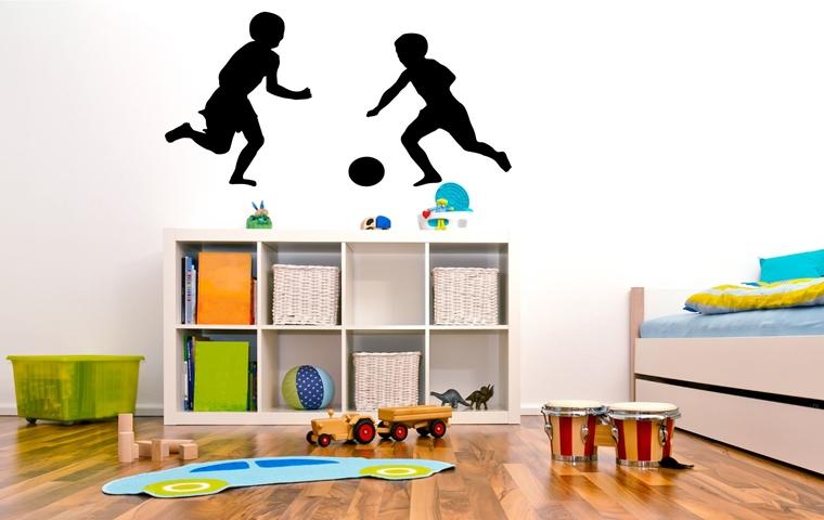 camerette bambini adesivi parete forma bambini giocano calcio
