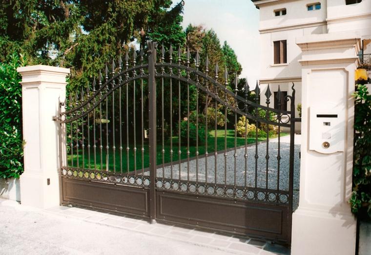 Cancelli tante idee per la vostra porta da giardino for Cancelli da giardino