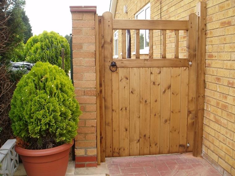 Cancelli in legno da giardino piccoli trucchi di bricolage - Cancelli in legno per giardino ...