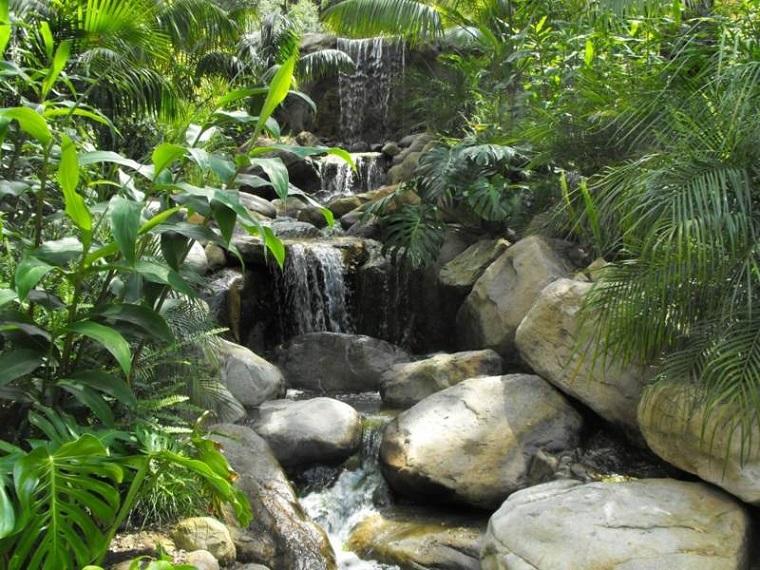 cascate piu livelli rocce natura