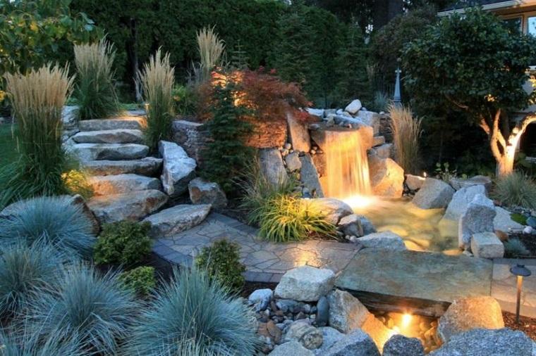 Giochi d 39 acqua 42 idee tra fontane e cascate per dare for Cascate in giardino