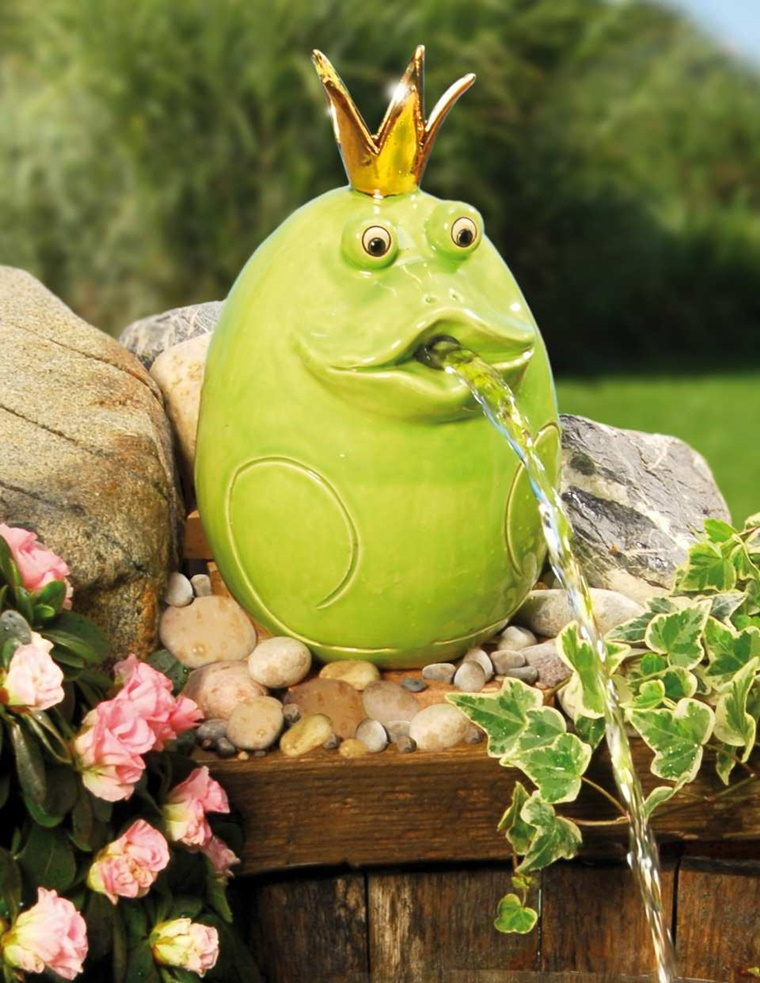 ceramica decorata mano rana verde