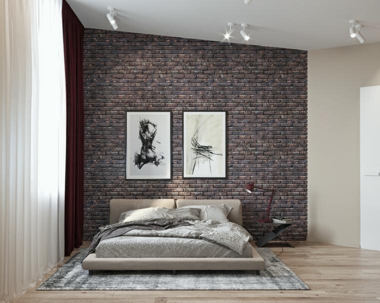 cosa mettere sopra il letto matrimoniale fotografie cornici parete effetto pietra faretti