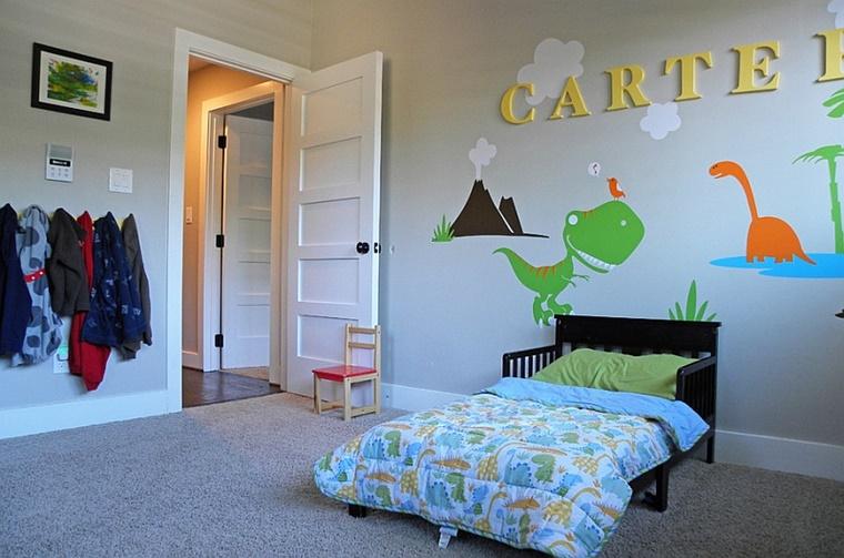decorazioni parete grigio chiaro cameretta