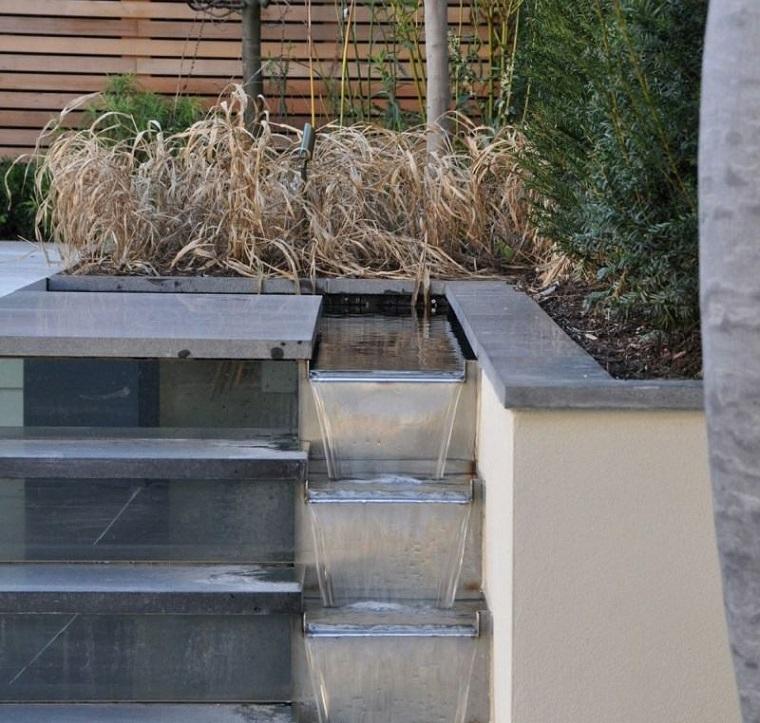 fontane da giardino idea cascata gradini