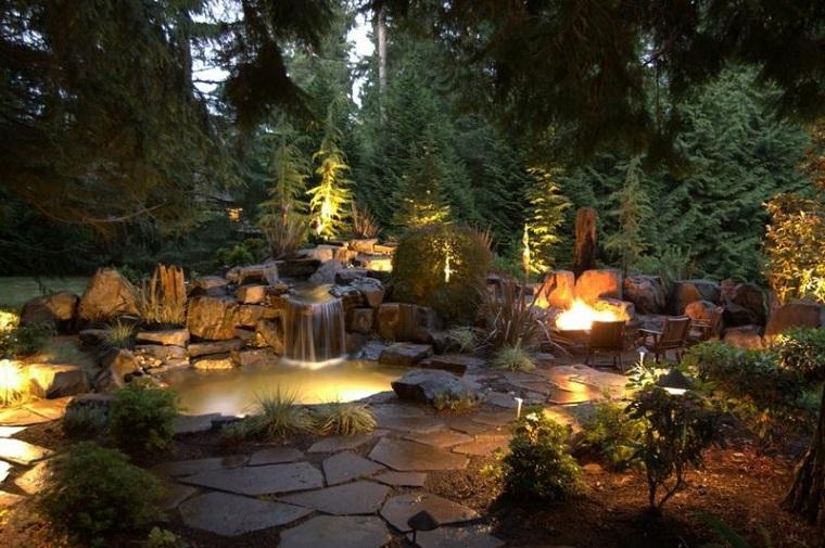 Cascata Da Giardino Moderna : Giochi d acqua idee tra fontane e cascate per dare vita ad un