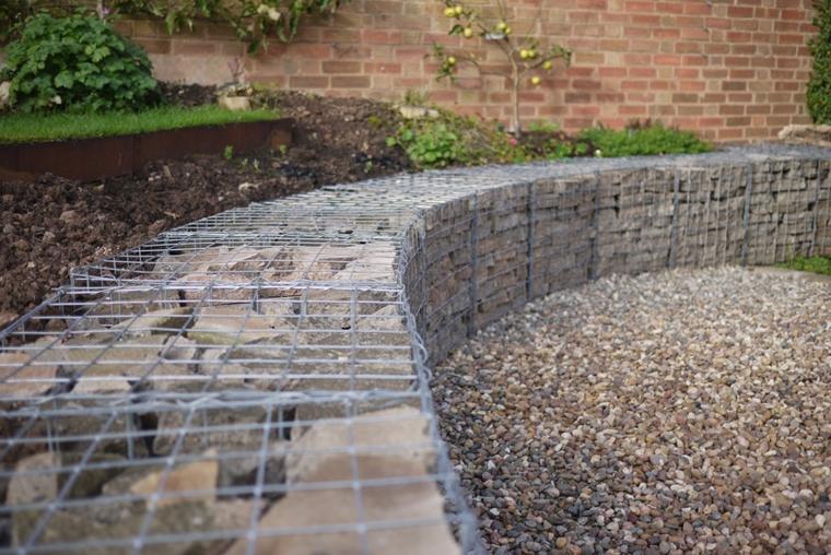 gabbioni metallici pietre decorare giardino
