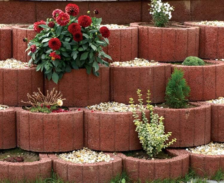 Giardinaggio idee originali per decorare il vostro for Idee particolari