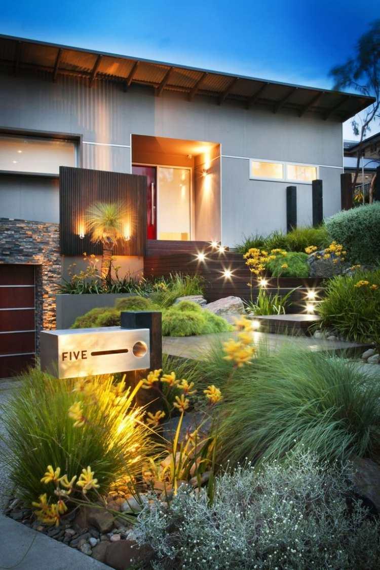 giardino moderno illuminato lampade led