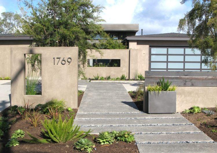 giardino moderno muri pavimento calcetruzzo