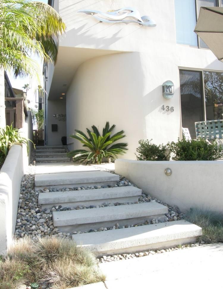 giardino moderno scale calcestruzzo