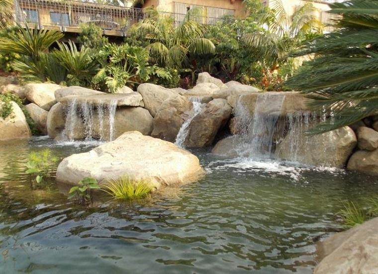 giochi dacqua grandi cascate rocce