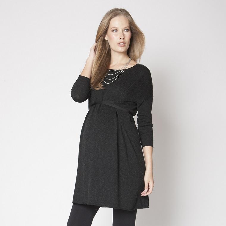 gravidanza donna incinta vestita nero