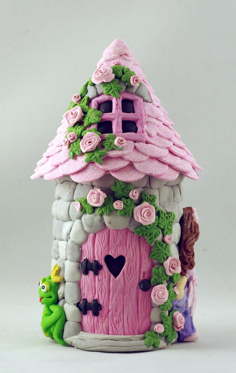 idea originale casetta colorata motivi floreali