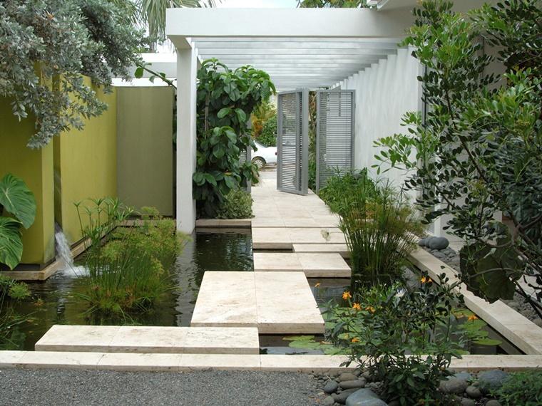 idee giardino moderno tanti alberi verdi
