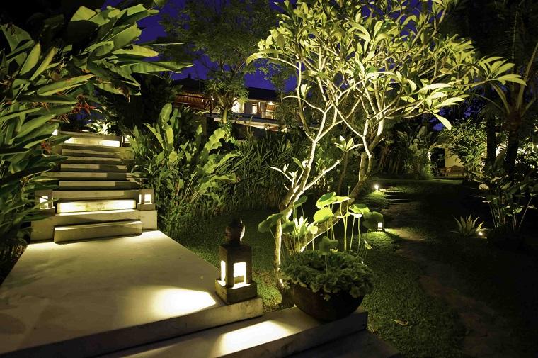 illuminazione giardino soluzione scale laterne