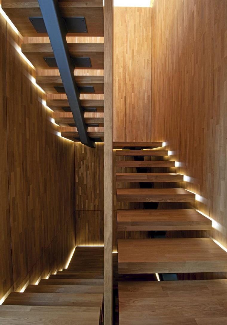 illuminazione nascosta scale design moderno