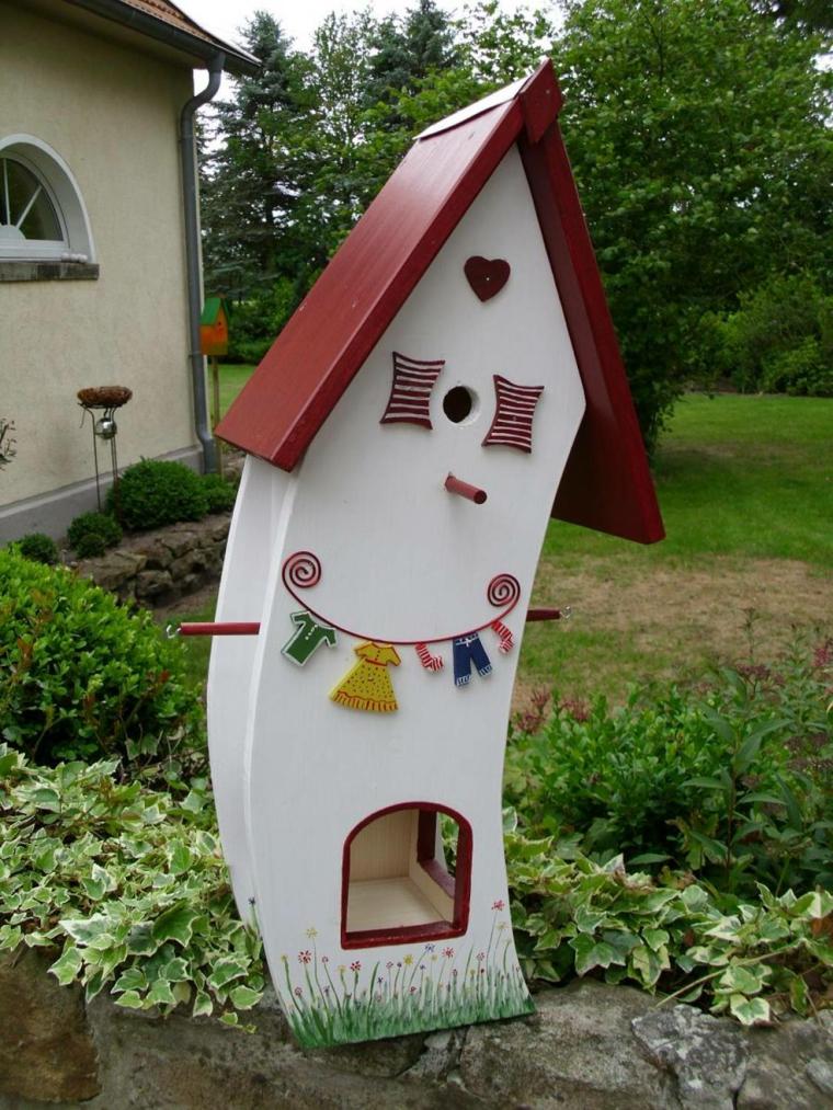la mangiatoia casetta colorata decorata legno