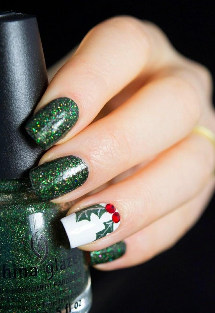 manicure natalizia affascinante verde glitter