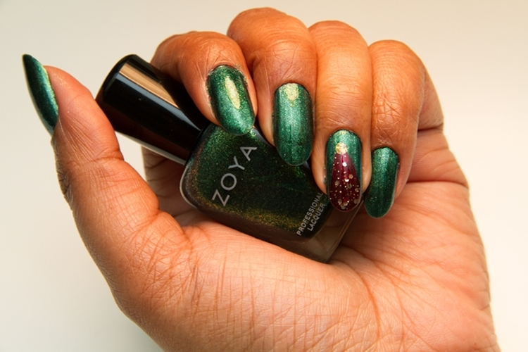 manicure natalizia originale verde glitter