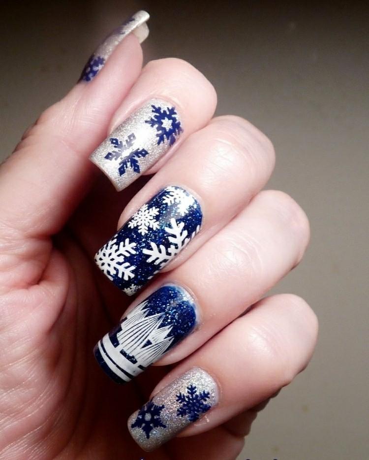 manicure natalizia smalto blu argento fiocchi neve