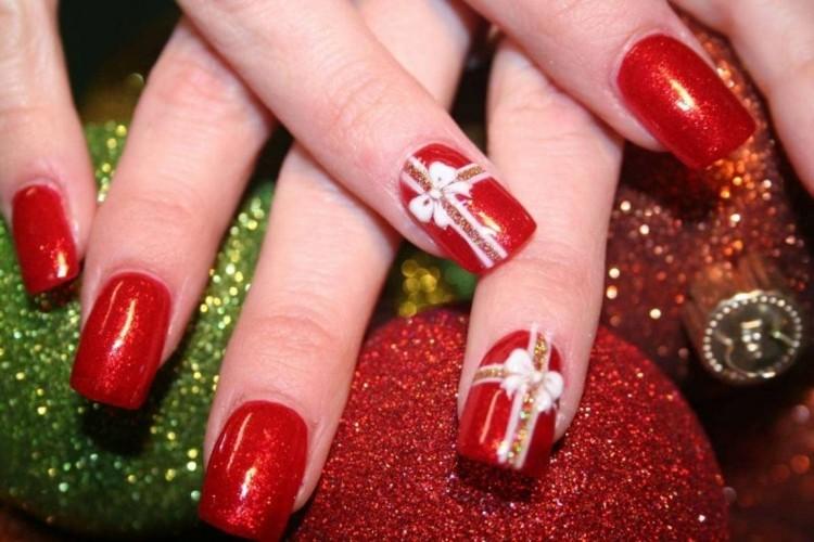 manicure natalizia splendida rosso glitter