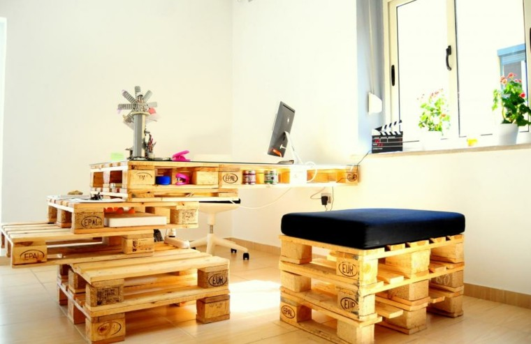 mobili con bancali organizzare arredo ufficio