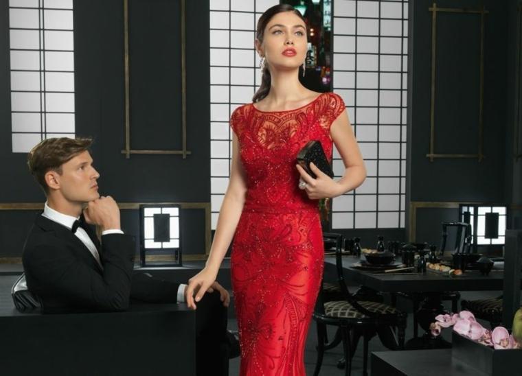 moda idea vestito rosso tubino elegante pizzo