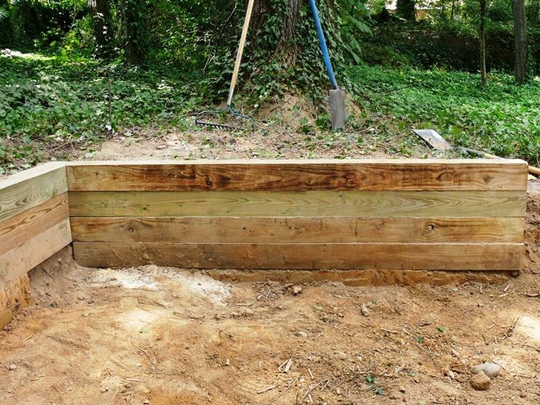 muri contenimento traversine legno realizzatti casa