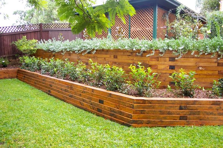 muri di sostegno legno costruito giardino