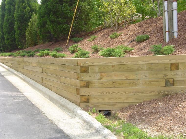 muri di sostegno legno tubo drenaggio