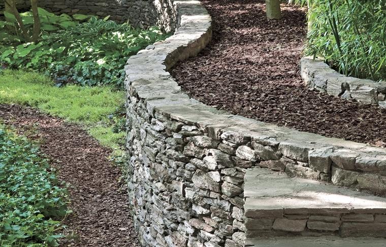 muri di sostegno solidi pietra