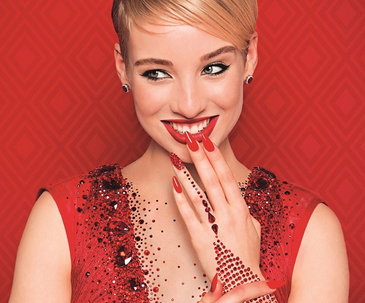 nail art natalizie classico rosso