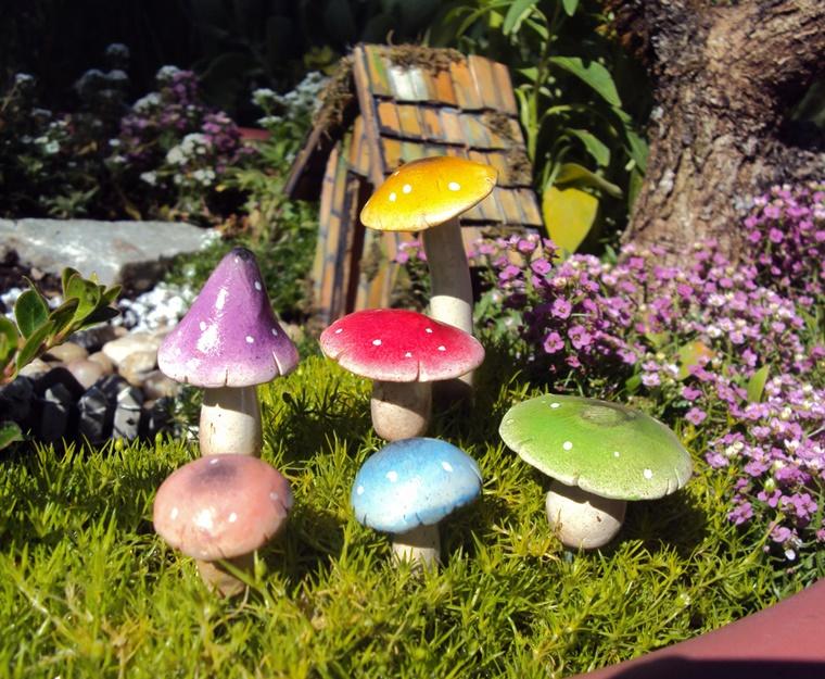 Oggetti in ceramica decorazioni adorabili per il giardino